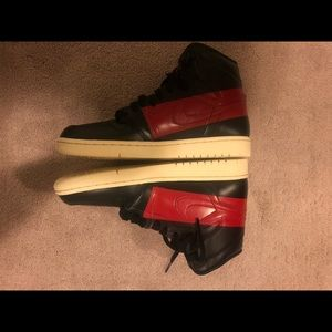 Brand new Jordan OG couture size 9.5 with box.
